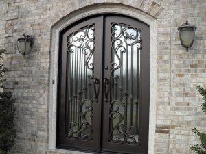 """alt=""""ferforje villa kapıları, bina giriş kapısı"""""""